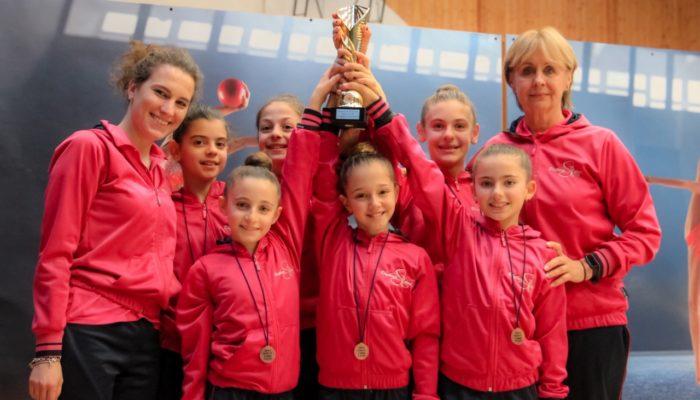 Rhythmic School d'oro a Chatillon